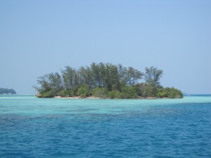 Travelers can swim or kayak to Pulau Botak (Bald Island), the island across from Pulau Macan