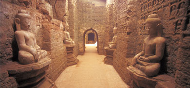 The Lost City of Mrauk U  Source - www.weekendsg.blogspot.com
