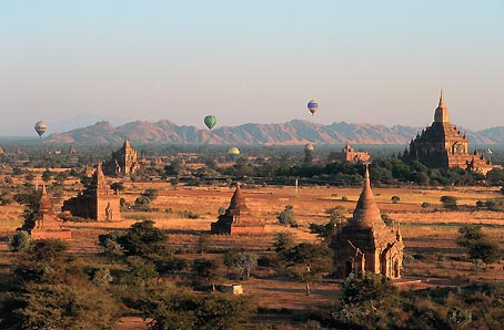 Pagodas at Bagan           Source - www.allmyanmar.com