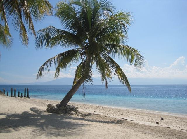 Dayang beach at Babu Santa, with Mt Apo looming in the distance